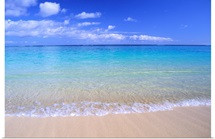 Clear Shoreline Ocean Water, Turquoise Horizon, Blue Sky With Clouds