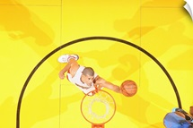 Shane Battier reaches for the ball