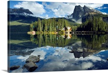 Emerald Lake And Emerald Lake Lodge, Yoho National Park, British Columbia, Canada