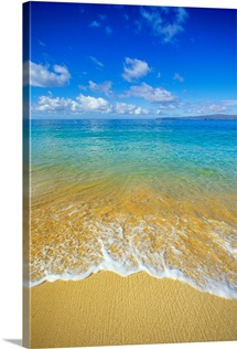 Hawaii, Maui, Makena Beach, Shoreline And Calm Turquoise Ocean