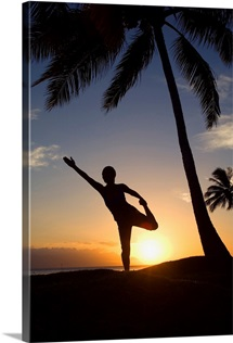 Hawaii, Maui, Olowalu, Woman Doing Yoga At Sunset Under Palm Trees