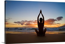 Hawaii, Maui, Silhouette Of Beautiful Girl Doing Yoga On The Beach