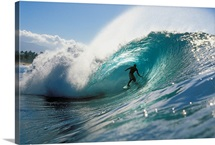 Hawaii, Oahu, North Shore, Shadow Of Surfer In Pipeline Wave