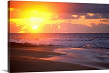 Hawaii, Oahu, Sandy Beach At Sunrise