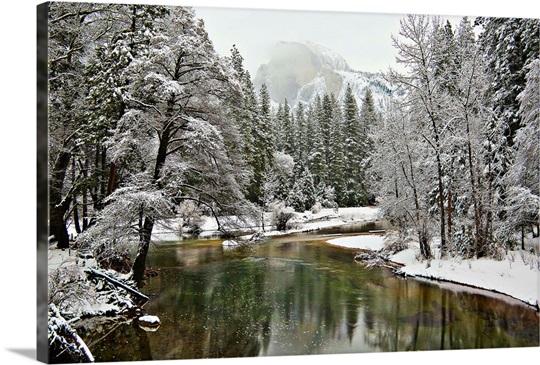 Merced River Yosemite National Park California Usa