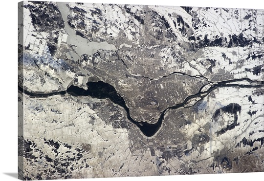 A wider photo of Montreal, with more of southern Quebec