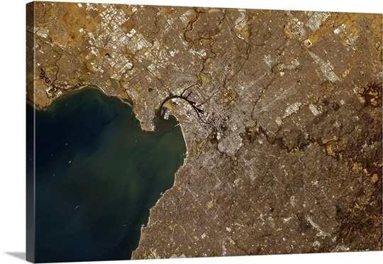 Melbourne, Australia, clear as a bell. An amazing harbor!