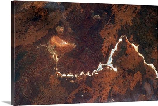 The Australian outback often looks like a rock crystal under a microscope