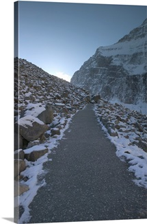 Alberta, Jasper National Park, Jasper, Mt. Edith Clavell, Mountain Pathway