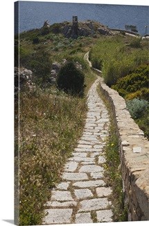 Italy, Sardinia, Santa Teresa Gallura. Torre di Longonsardo tower pathway