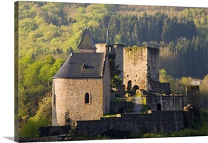 Luxembourg sure river valley esch sur sure castle ruins for Abc cuisine esch