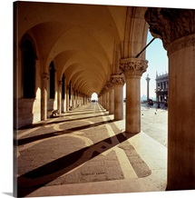 Italy, Veneto, St Mark Square, Doge's Palace, Colonnade and Piazzetta