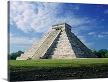 Mexico, Yucatan, Chichen Itza, Kukulkan Pyramid also called El Castillo