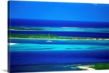 Venezuela, Los Roques, Los Roques National Park, view towards Dos Mosquises island