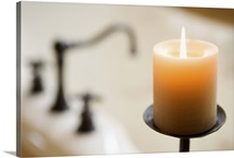 Burning aromatherapy candle