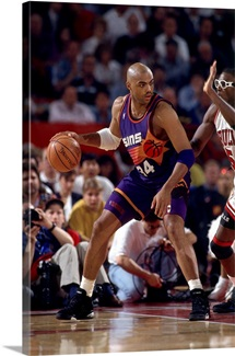 Charles Barkley 34 of the Phoenix Suns posts up against the Chicago Bulls