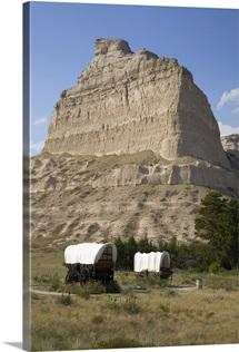 Covered wagon at Scotts Bluff National Monument, Nebraska