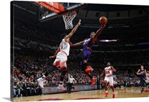 Eric Bledsoe 2 of the Phoenix Suns goes for the dunk
