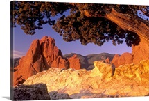 Gateway Rock formation in Garden of the Gods Park in Colorado Springs, Colorado
