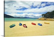 Kayaks at Trousers Point on Flinders Island, Strzelecki National Park, Tasmania