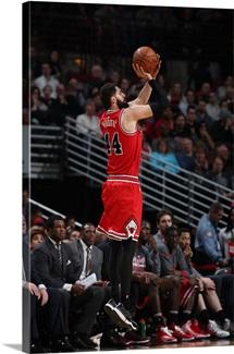 Nikola Mirotic 44 of the Chicago Bulls shoots the ball