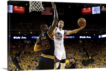 Stephen Curry goes up for a shot against LeBron James, Game 2, NBA Finals 2016