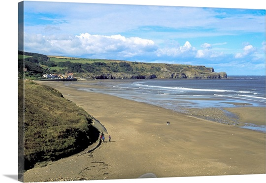 The beach, Sandsend., Sandsend, North Yorkshire, England.