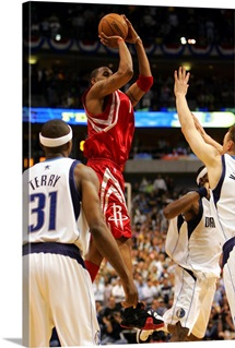 Tracy McGrady 1 of the Houston Rockets shoots the game winning jump shot