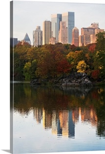 USA, New York City, Manhattan skyline from Central Park