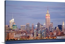 USA, New York State, New York City, Skyline at dusk