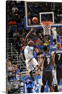 Victor Oladipo of the Orlando Magic shoots a layup against the Memphis Grizzlies