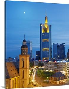 Germany, Hessen, Frankfurt am Main, Romerberg, Commerzbank Tower Photo ...