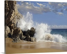 Lover&amp;#39;s Beach with crashing waves, Cabo San Lucas, Mexico