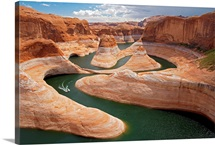 A boat traces the curves of Reflection Canyon, part of Glen Canyon