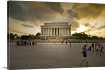 A view of the Lincoln Memorial at sunset