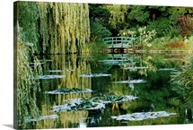 Lily pond that inspired Monet, Giverny, France