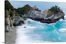 McWay Falls and waves hitting the shore at Big Sur, Julia Pfeiffer Burns State Park, California