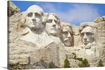 Sculpted heads of presidents at Mount Rushmore