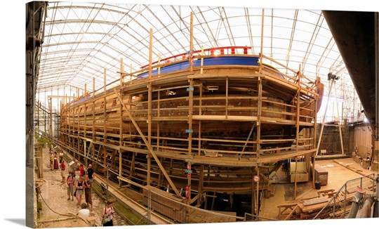 Construction site of the ship hermione rochefort charente for Rochefort construction