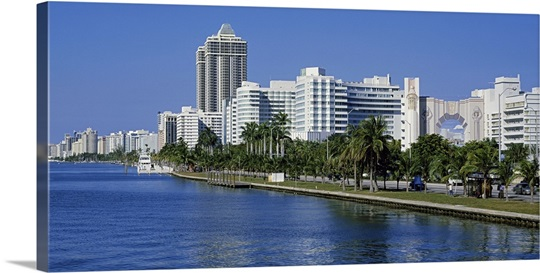 Florida, Miami, Miami Beach, Panoramic view of waterfront and skyline