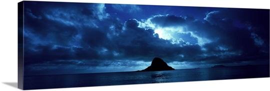 Island in the sea, Chinaman's Hat (Mokolii), Oahu, Hawaii