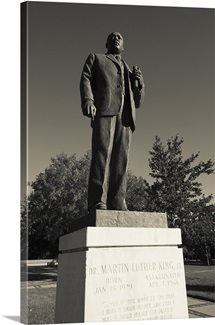 Statue of Martin Luther King Jr in a park, Kelly Ingram Park, Birmingham, Alabama