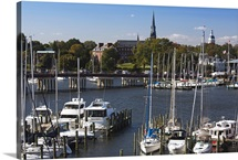 Yachts at a marina, St. Mary&amp;#39;s Church, Annapolis, Anne Arundel County, Maryland