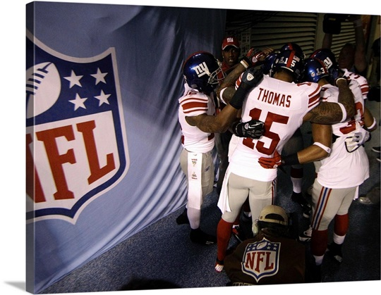 N.Y. Giants in the tunnel before Superbowl XLVI