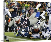 Patriots LeGarrette Blount dives into end zone for touchdown, AFC playoff game, 2014