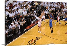 Shane Battier Shoots a Three