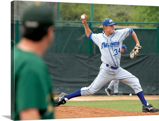 UT Arlington Photographs Pitching for the Mavericks