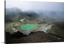 Emerald Lakes, explosion craters filled with mineral-tinted water, New Zealand