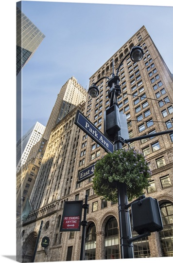 street signs on park avenue in new york city photo canvas print great big canvas. Black Bedroom Furniture Sets. Home Design Ideas