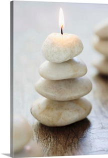 Pebble candle